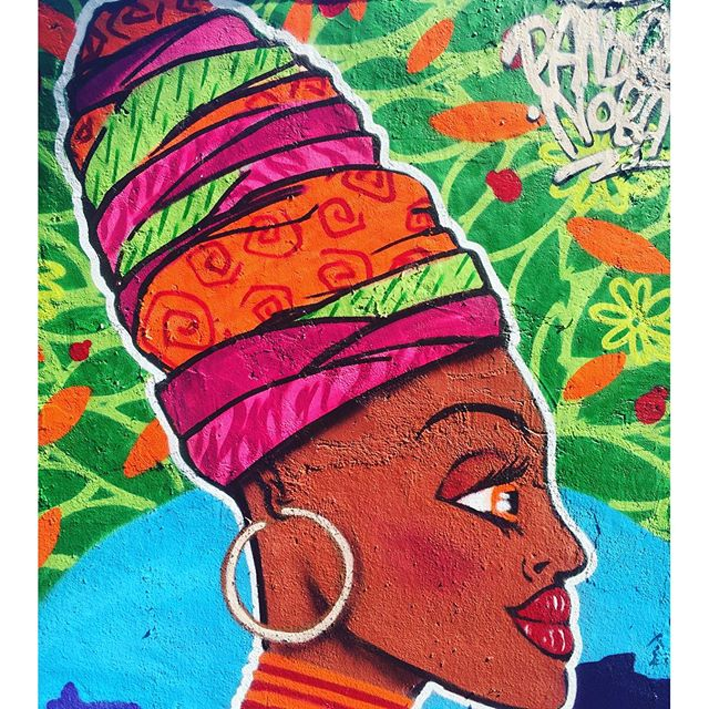 Close. #pandronobã #artistasurbanoscrew #culturaafro #afro #arte #amoarte #loveart #artederua #urbanart #riodejaneiro #cultura #streetartrio #ilovegraffiti #graffiti #worldart #globalstreetart #streetartbrasil #spraypaint #turbante #africabrasil #ruasdazn #suburbiocarioca #zonanorteetc #zonanorte 2015