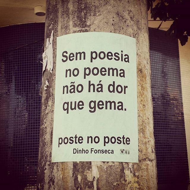 Conheça o livro VERDADE NOTURNA - Dinho Fonseca (Chiado Editora - 284 págs.) Disponível nos sites da Chiado Editora e da EasyBooks. #poesias #poetry #poema #poemas #verso #versos #poeta #poetas #arte #arteurbana #rj #rio #streetart #original #autor #autoral #post #poste #postes #posts #frases #dinho #dinhofonseca #postenoposte #poster #originals #StreetArtRio #street #verdadenoturna #chiadoeditora