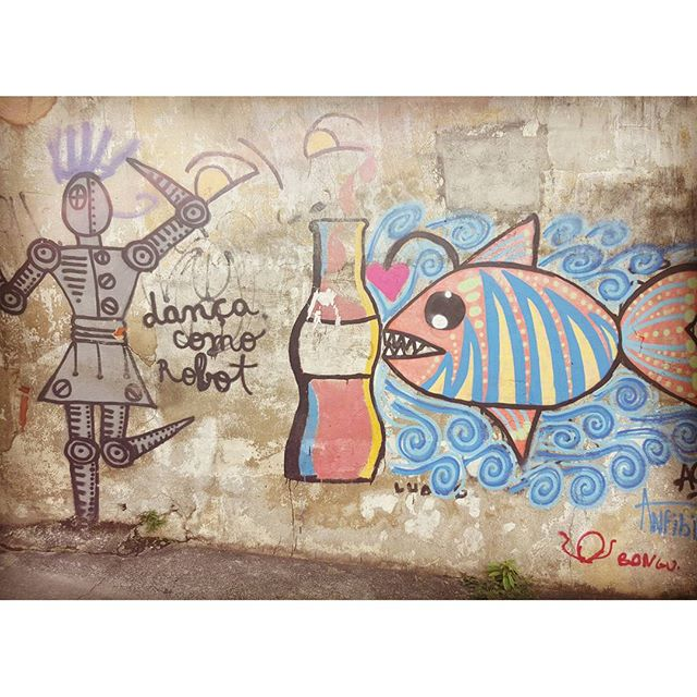 Danca como robot #Graffiti #streetartrio #riodejaneiro #StreetArt #danca #Lapa #brasil #ILoverio