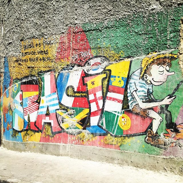 Everywhere I go in this country I see such a strong sense of national pride. #travel #adventure #sa #brasil #brazil #pride #rio #riodejaneiro #favela #streetartphotography #streetartandgraffiti #streetartrio #graffiti #graffitiart