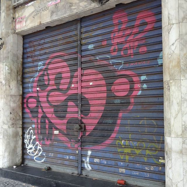 Graffiti art by @gloye . #gloye #streetartrio #bomb #bombing #spraypaint #throwup #graffitiart