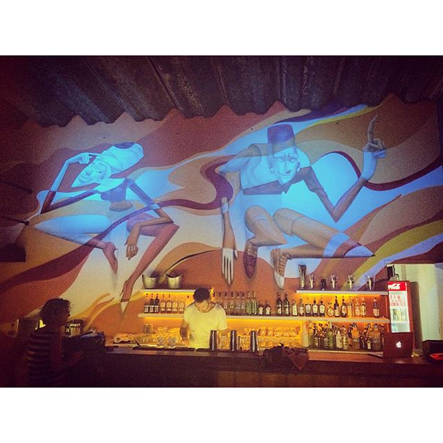 Hoje tem a inauguração do bar francês @48_bar em Ipanema, início 19h. Todos são bem vindos . Endereço: Rua Teixeira de Mello 48. (Próximo a Pça General Osório.) #ipanema #riodejaneiro #zonasul #rj #brazil #brasil #bar #graffiti #grafite #streetartrio #marceloeco #rio