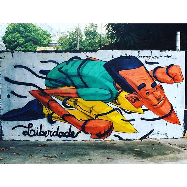 Liberdade! #arteurbanabr #murosdorio #artelivre #streetartrio #liberdade @marceloeco