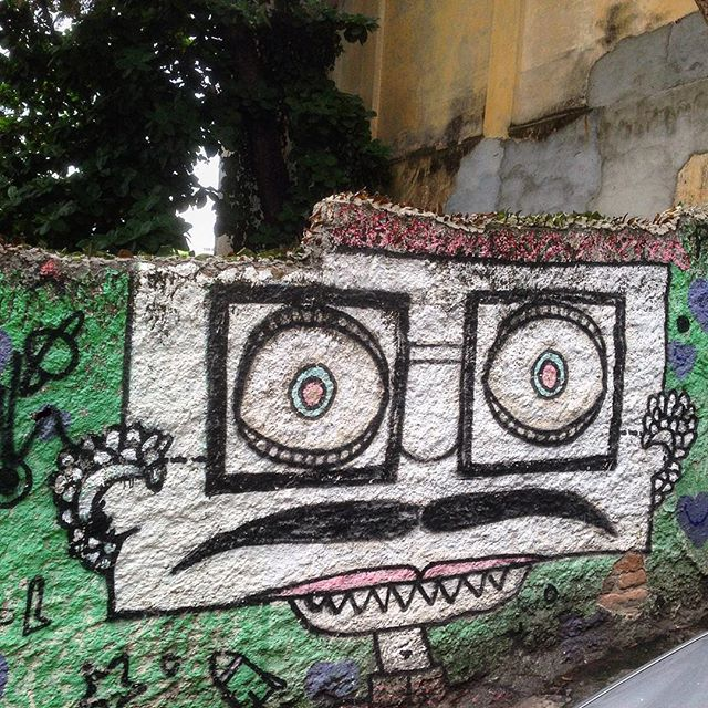 Look into my eyes #graffiti #grafporn #streetart #streetartrio #streetartglobe #urbanart #spraydaily #muralsdaily #nofilter #santateresa #riodejaneiro #brazil