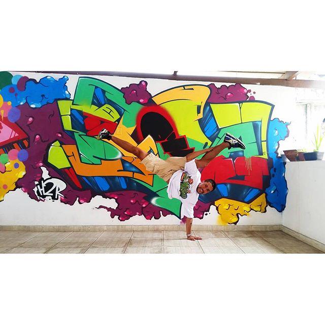 O ar que eu respiro . #graffiti #graffitiart #streetart #art #arte #arteurbana #graffitikings #letters #weloveletters #artsy #drawing #arts #SprayArt #vscocam #wildstyle #wildstylegraffiti #brasil #graffitilovers #streetartrio #Blopa #BlopaOne #H2R #CSL