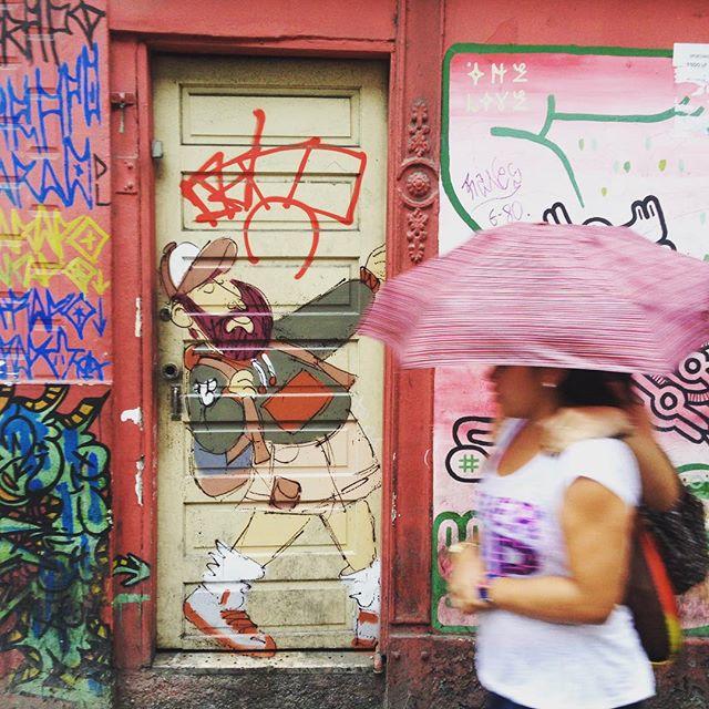 Pra fechar o dia ou não! Rsrs #barbudinho #andarilho #tags #xarpi #cazesawaya #cazé #streetartrio #streetstyle #lapapresente #lapa #charactergraffiti