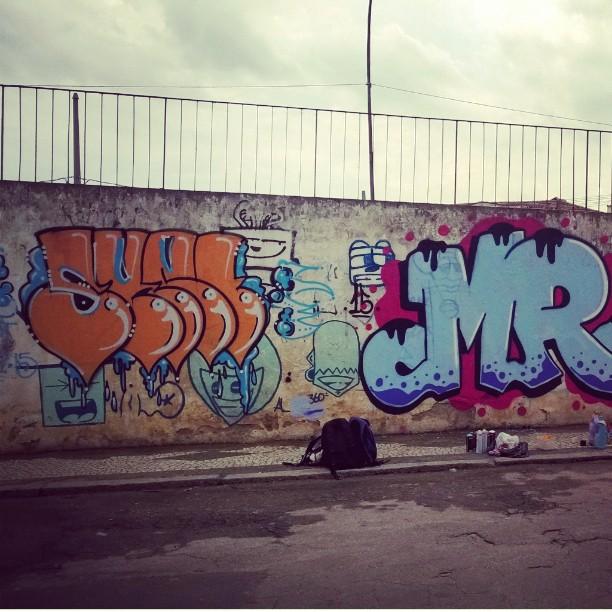 Primeira de hoje... #inlive #StreetArtRio #graffitiBR #sket #MR