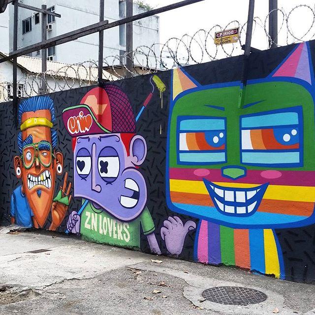 RUA DOUTOR SATAMINI COM RUA S. FRANCISCO XAVIER - RIO DE JANEIRO RJ ARTISTS: @znlovers #graffiti #graffitiart #graffitiwall #streetculture #streetphotography #streetstyle #urbanart #spraypaint #graffitirio #StreetArtRio #muros #artederua #streetart #arteurbana #welovestreetart #mural #streetartfiles #graffart #graffittigers #spraypaint #graff #wallart #olheosmuros #loves_street_art #graffitilegends #streetartofficial #streetarteverywhere #streetartistry #stickerart #urbanwalls #instagraffiti