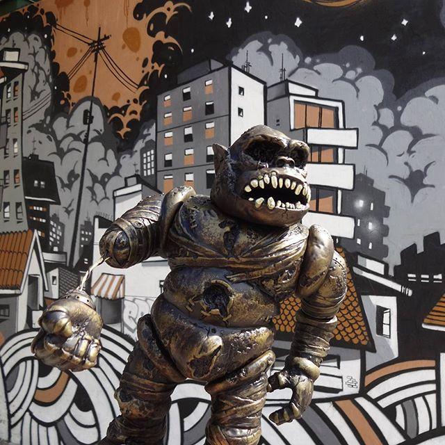 Roar is gold. #ITAMU #hirotasaigansho #brutalmonsters #pushead #pusfan #hyperstoic #betofame #fameone #streetartrio #graffitiart