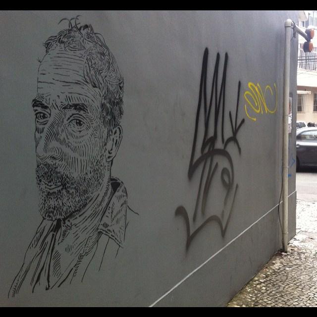 Selfie. alb ( barata ) Rio de Janeiro #i_support_street_art #streetart_official #isupportstreetart #streetartbrasil #stencil #estêncil #streetartrio #streetart #instagrafite #mtnrio #mtnbrasil #mtnword #montanacolors #streetartofficial #streetartphotography #graffitiart #art #streetart #instagraffiti #streetartist #graffiti #stencil #urbanart #streetarteverywhere #streetartblvd