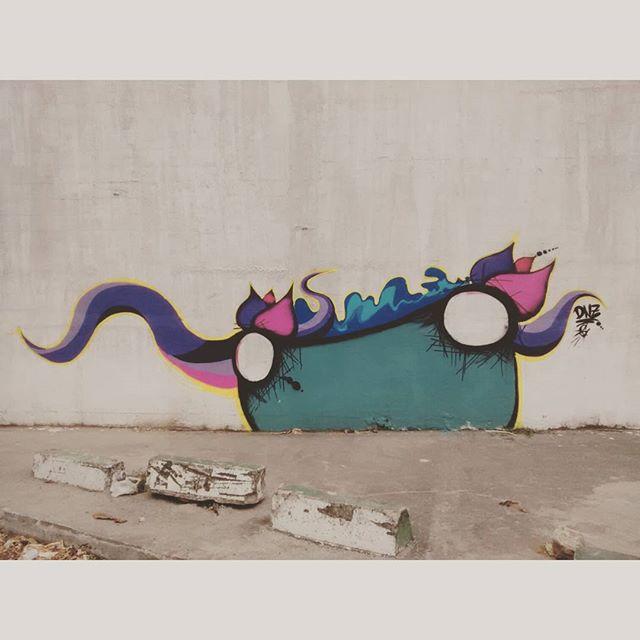 Solitário. #istazise #instagood #instasize #graffiti #graffitirj #streetart #streetartrio #streetartcarioca #vandal #zonaoeste #padremiguel #riodejaneiro #brazil #dnz