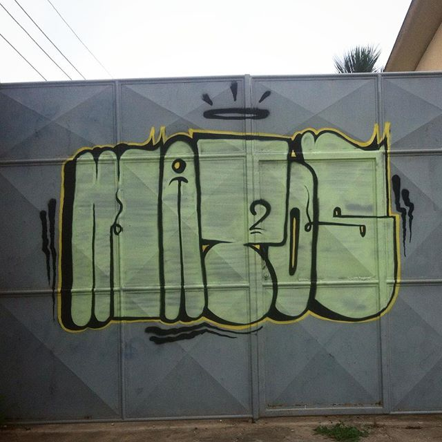 Trabalhamos com base ! #mattosartes #graffitihouseniteroi #rjvandal #streetartrio #trowup #artederua