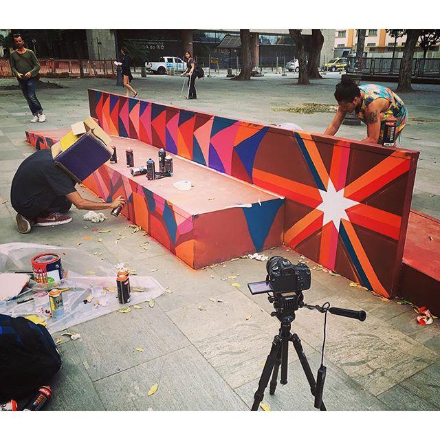 Trabalho coletivo @wilbordomina @artofcoisa @ras_dornelas @joint_ttk Cresce Quem Renova! #streetskate #streetart #streetartrio #coletivoxv #socrescequemrenova #menosegomaisskate #ilovexv