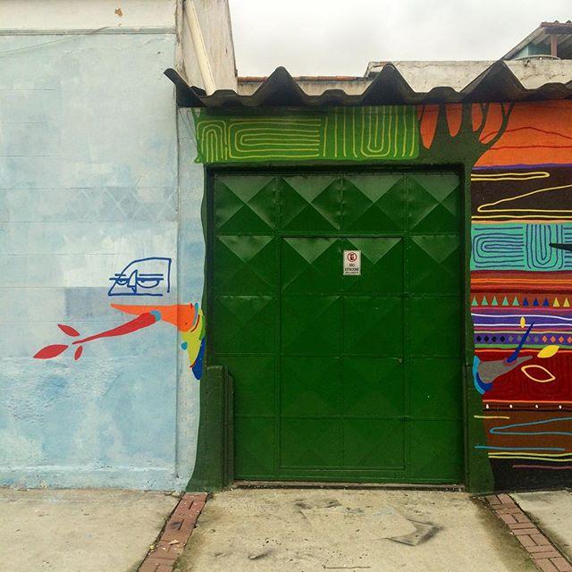 Um dia desses na #ZN junto com @arty_and_chikle no suporte de @juniornegao e @gizzanascimento muita força ai meus irmãos!!! #kajaman #art #graffiti #grafismo #graffismo #passarindio #urbanart #artyandchikle #sprayart #spraypaint #streetart #streetartrio #streetartriodejaneiro #minhacasaminhaárvore