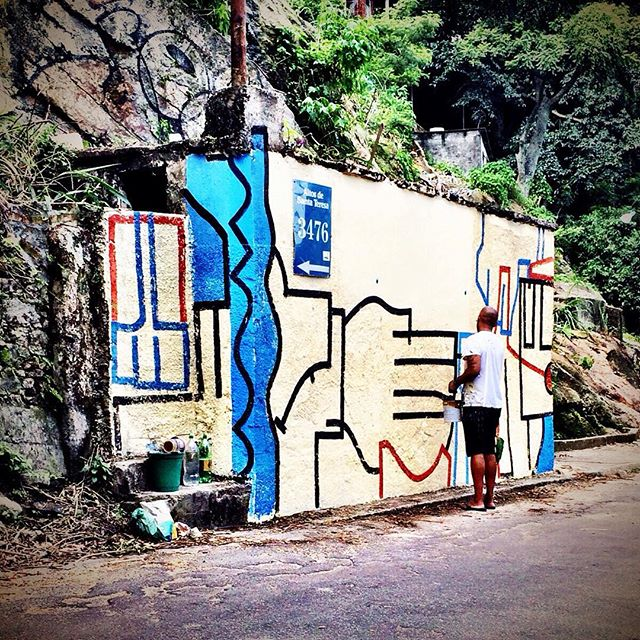 When in Rio, find out where Condomínio Equitativa is at...thanks to everyone involved in this project! #streetart #streetartrj #streetartrio #condominioequitativa #disformers #speyeproject #thespeyeproject valeu biscoito!!!