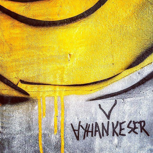 #ayhankeser #nisantasi #istanbul #graffitiporn #yellow #drawing #streetartrio #ilovebombing #graffitivandal #streetartist #streetart #contemporaryart #streetarteverywhere #stickers #stickerart #urbanart #artist #urbanartist #graffitiart #sketches #random