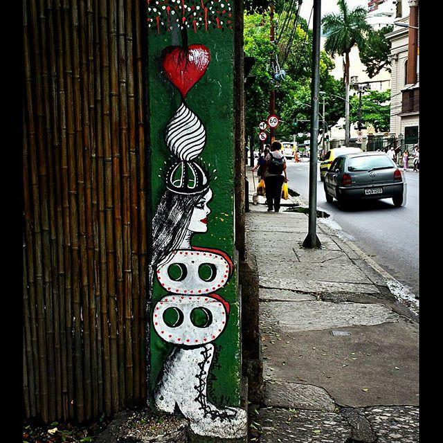 #graffiti #graff #instagraff #grafite #instagrafite #graffitirio #wallpainting #painting #paint #mural #murals #instamural #graffitiphoto #graffitiphotography #streetphotography #streetphoto #instastreet #street #Rua #Botafogo #Rio #RiodeJaneiro #RJ #Brasil #StreetArtRio