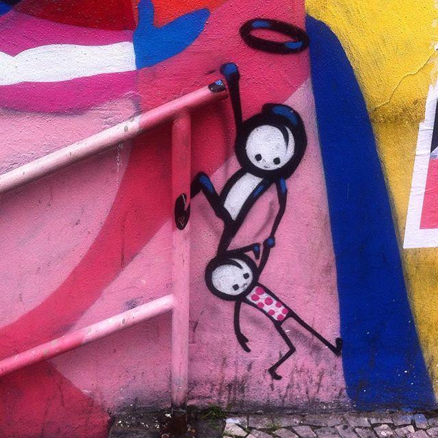 #grafite #graffiti #instagraffiti #graffitigram #graff #streetart #streetartbrazil #streetartrio #stencil #urbanart #artederua #arteurbana #intervencaourbana #grafiterj