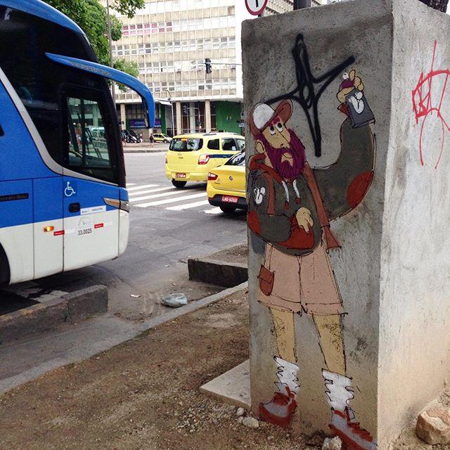 #linkaovivo #andarilho #barbudinhoo #cazesawaya #streetart #streetartrio #streetstyle #streetartphoto