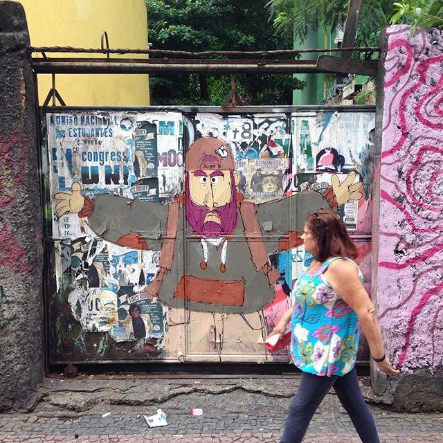 #linkaovivo #lapa #streetartrio #streetstyle #streetartphoto #barbudinhoo #andarilho #cazesawaya