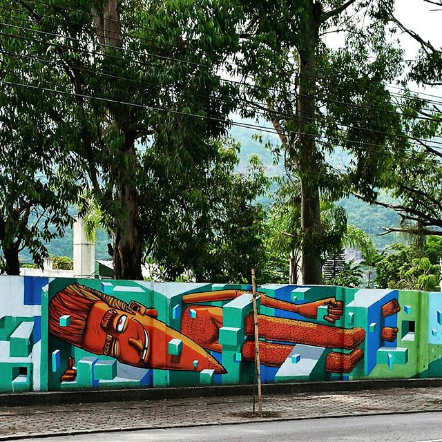 #marceloeco #urbangraffiti #urbanart #arteurbana #artederua #arterua #grafite #graffitiart #streetart #graffitirio #paintingart #wallpainting #painting #mural #murals #instamural #streetphoto #streetphotography #graffiti #graff #rua #StreetArtRio #Lagoa #RiodeJaneiro #RJ #Rio #Brasil
