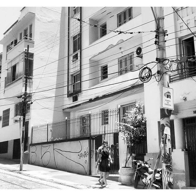 por: #3BK • #rjvandal #streetartrio #streetart #graffiti #graffitiart #art #riodejaneiro #tags #tagsandthrows #throwsup #throwsupz #bombing #bomb #grafite #artist #artoftheday #arteurbana #rj #urbanart #artederua #rua #graffitiwall #sprayart #vandal #galeriaceuaberto #olheosmuros #bombingbrasil #graffitirio #art #makeart