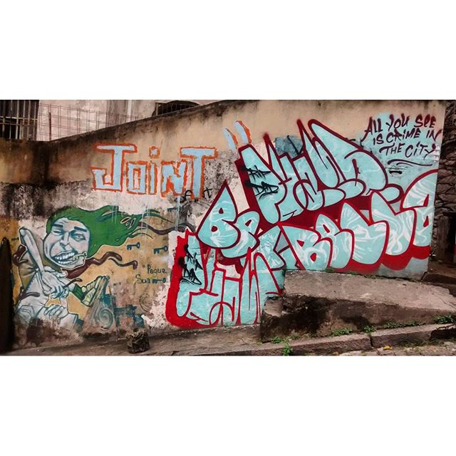 por: @bellasrio @justinphame @joint_ttk • #rjvandal #streetartrio #streetart #graffiti #graffitiart #art #riodejaneiro #tags #tagsandthrows #throwsup #throwsupz #bombing #bomb #grafite #artist #artoftheday #arteurbana #rj #urbanart #artederua #rua #graffitiwall #sprayart #vandal #galeriaceuaberto #olheosmuros #bombingbrasil #graffitirio #art #makeart