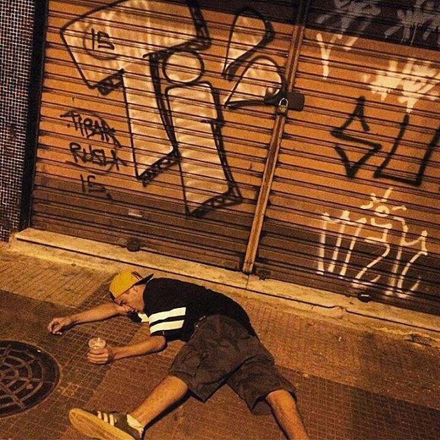 por: @papass4 • #rjvandal #streetartrio #streetart #graffiti #graffitiart #art #riodejaneiro #tags #tagsandthrows #throwsup #throwsupz #bombing #bomb #grafite #artist #artoftheday #arteurbana #rj #urbanart #artederua #rua #graffitiwall #sprayart #vandal #galeriaceuaberto #olheosmuros #bombingbrasil #graffitirio #art #makeart