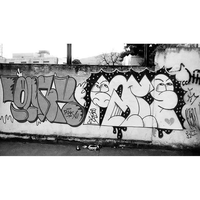 por: @pepi_punk #F2me• #rjvandal #streetartrio #streetart #graffiti #graffitiart #art #riodejaneiro #tags #tagsandthrows #throwsup #throwsupz #bombing #bomb #grafite #artist #artoftheday #arteurbana #rj #urbanart #artederua #rua #graffitiwall #sprayart #vandal #galeriaceuaberto #olheosmuros #bombingbrasil #graffitirio #art #makeart