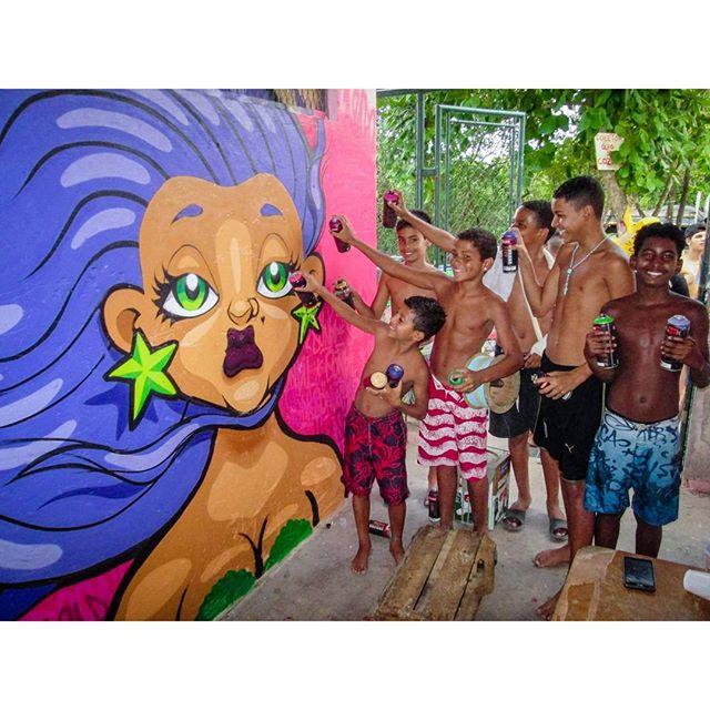 #tapú #sonbil #mermaid #sereia #streetartrio #graffiti #graffitirj #streetart #brasil #errejota #kids Futuro do país...