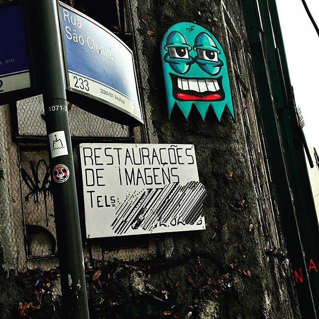 #urbangraffiti #grafite #graffitiart #streetart #StreetArtRio #graffitirio #instagrafite #bombing #painting #paint #streetphotography #streetphoto #graffiti #graff #rua #street #botafogo #RiodeJaneiro #RJ #BR #Rio #Brasil