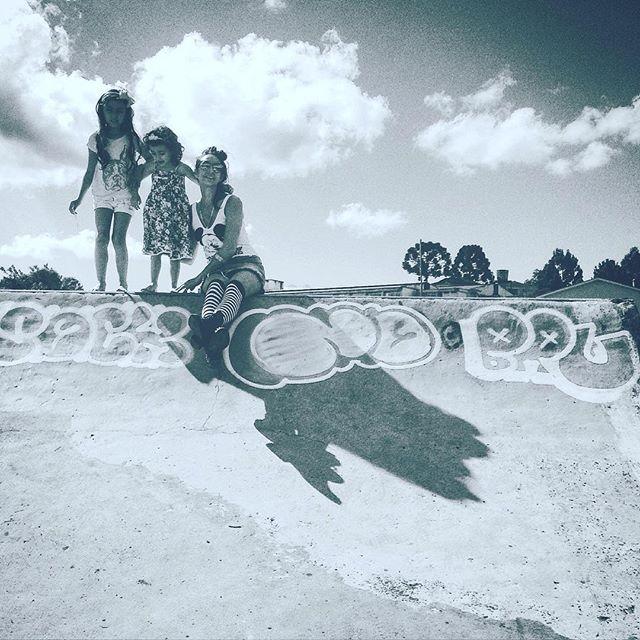 "️""As 3 Marias"" No rolé do findi ️ #streetart #graffiti #bw #streetartrio #trip #idolnokids"
