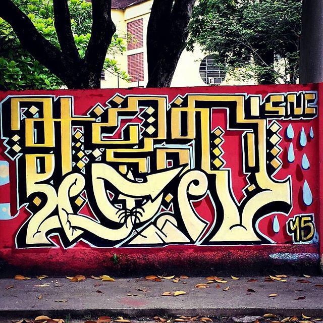 @tonsnc @ts3dsnc #projetopaz #fleshbeckgrill #urbangraffiti #grafite #graffitiart #streetart #graffitirio #wallpainting #painting #mural #murals #instastreet #streetphotography #streetphoto #graffiti #graff #rua #street #fontedasaudade #RiodeJaneiro #RJ #BR #Rio #Brasil #StreetArtRio