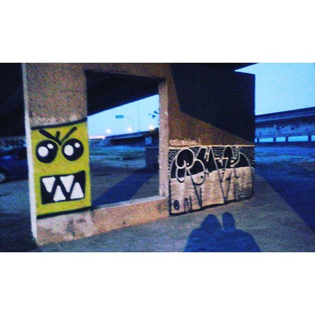 """""""...Acho isso meio estranho mas duvido eu me mudar.Eu amo minha Zona.Zona Norte..."""" #GraffitiBrasil #GraffitiRioDeJaneiro #Graffiti #StreetArtRio #StreetArt #ArteDeRua #ArtUrban #ArteUrbana #Arte #Art #Rua #Street #Personagens #Personas #PersonasDoRio #BUuu #Monstro #Monstrinhos #Susto #HipHop #HipHopGirl #Cor #RioDeJaneiro #ZNNZ #ZonaNorte #RuasDaZN #LiksGraffiti #Liks"""