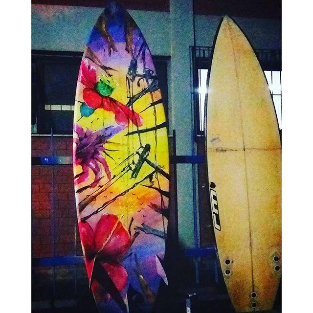 Bom dia!!! Arte urbana no drop!!!! Em brev nas ondas de Itacoa!!!! Valeu mano @mattosartes pelo convite!!! #marcelomeloarteurbana #mar #surf #surfing #itacoatiara #niteroitop #floral #surfstyle #graffitistyle #istagraffiti #MM #posca #colorginarteurbana #drop #freestyle #weekend #vidasaudavel #graffitihouse #streetartrio