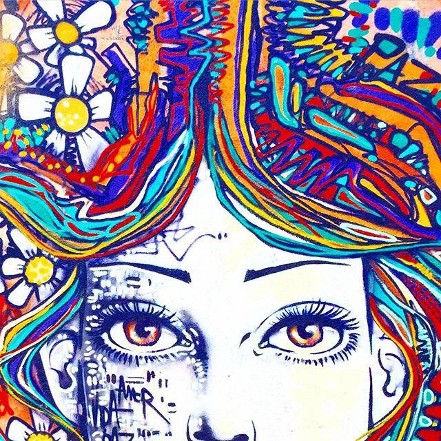 Close... #vilaisabel #riodejaneiro #graffiti #spraypaint #freestyle #freehand #flowers #streetartrio #marceloment