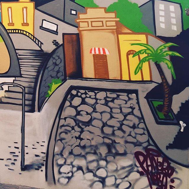 Detalhe... Pedra do Sal #pedradosal #redutorosamba #carioca #riostreetstyle #pandronobã #artederua #arteurbana #graffitiart #ilovegraffiti #streetartrio #gamboa #praçaMauá #centrodorio #sambaraiz #amosamba #globalstreetart