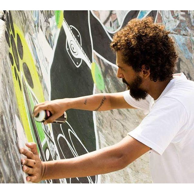 Durante o Pray for Skaters no @pistaown #streetart #art #arte #arteurbana #skateboard #ururah #streetartrio