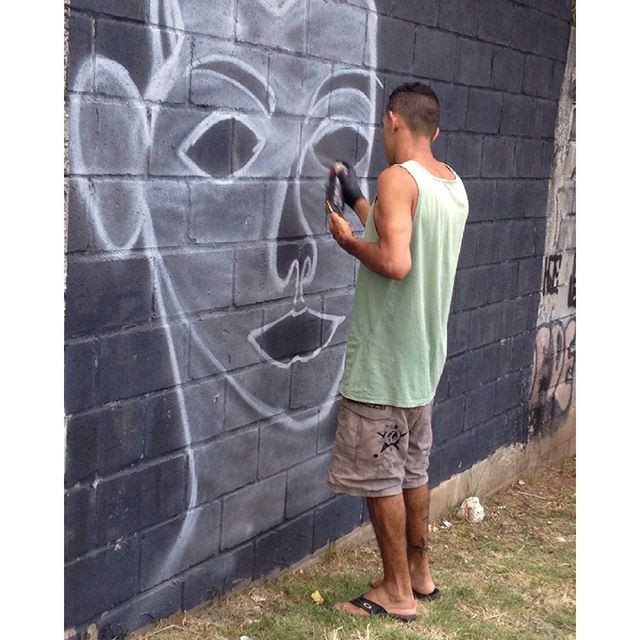 Em andamento! #vamoscoloriromundoirúúú #artderua #streetartrio #graffit #ADC #100tropark