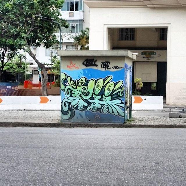 FRANKLIN ROOSEVELT STREET - DOWNTOWN #graffiti #graffitiart #graffitiwall #streetculture #streetphotography #streetstyle #urbanart #spraypaint #graffitirio #StreetArtRio #muros #artederua #streetart #arteurbana #welovestreetart #mural #streetartfiles #graffart #graff #wallart #olheosmuros #loves_street_art #graffitilegends #streetartofficial #streetartistry #stickerart #urbanwalls #instagraffiti #spraycanart #graffitiporn