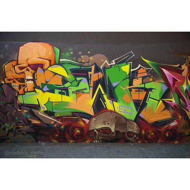 Master piece by @marcioswk Background @br_fbc + @afa1987 Foto : @madeira_photo #graffiti #graffitiart #graffitiartist #streetart #art #wildstylegraffiti #wildstyle #brasil #graffitilovers #streetartrio #wildstylebrasil #artsy