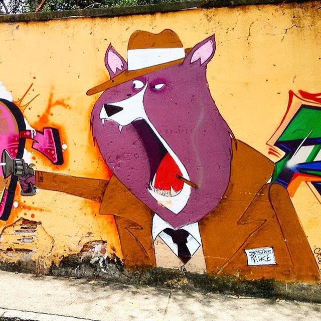 Mike o detetive, lá no morro do #andarai #tijuca #tijukinstan #charactergraffiti #characterdesign #dog #instadog #cazé #cazesawaya #streetartrio #streetart