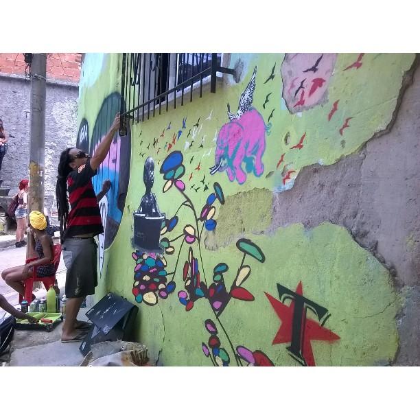 Mof 2015 #mof #meetingoffavela #thiagohaule #streetart #ubanart #streetartrio #stencil #rj #brasil