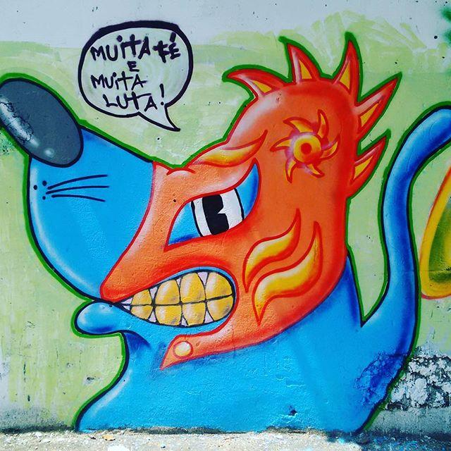 Muita fé e muita luta ! #graffiti #graffitiart #art #arte #streetartist #galeria #andarai #instagraffiti #olhodarua #StreetArtRio #colors #streetstyle