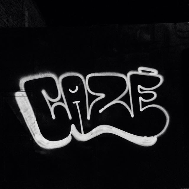 Numa linha só! #presidentevargas #bomber #trowup #rjvandal #rj #helldejaneiro #cazé #cazesawaya #streetartrio #streetart #street #graffiti