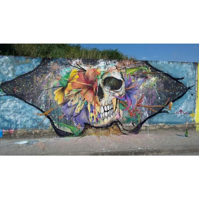 O trampo finalizado do amigo @marcelo_melo_graffiti. Espancou demais, muita ideia pra pouca parede. #graffiti #graffitihouse #marcelomelo #niteroi #streetart #freestyle #streetartrio #rj