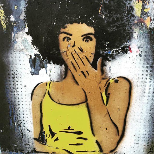 Ops . #flamengo #aterrodoflamengo #rj #scene #landscape #achadosdasemana #blackpower #street #instalovers #streetart #urbanart #art #wall #rio #girl #grafitti #StreetArtRio