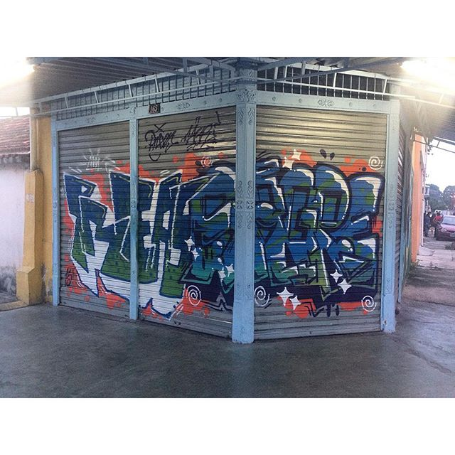 Penha Circular!! Preas + @brunozagri !! #graffiti #leters #letras #spray #cores #zonanorte #riodejaneiro #streetartrio #rua #fotografia #luz #sombra #tinta #penha #arteurbana #artecontemporanea #arte