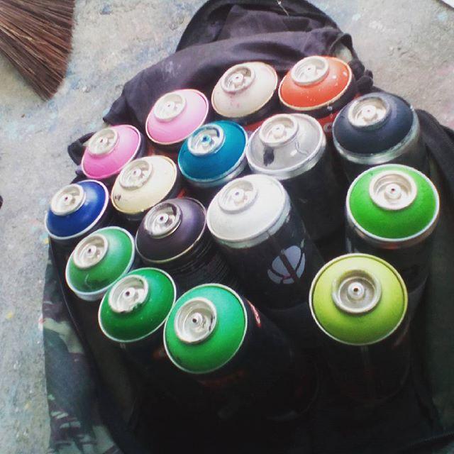 Plim! Hoje tem! Ahhahahahaaa #felipeblunt #streetart #streetartrio #graffiti #gorua #gostudy #graffitiday #niterói #niteroigram #bomdia