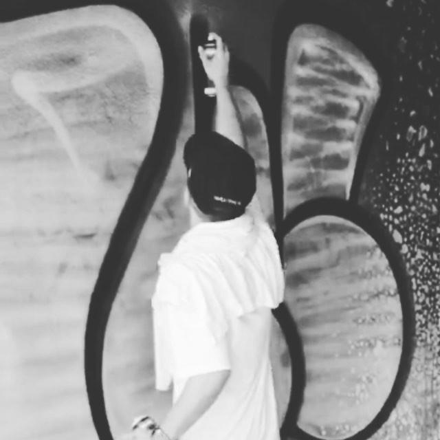 Preto no branco! #throwup #bomb #tagsandthrows #aw #aseive #graffitirio #vandalrj #streetartrio